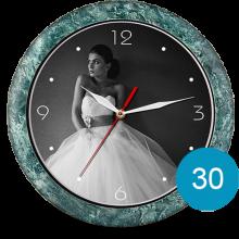 Часы с фото в пластиковом корпусе 30